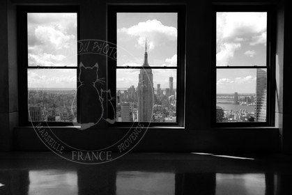 Photo de new york city black and white and colors for Fenetre noir et blanc